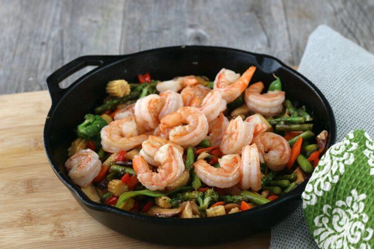Shrimp stir-fry with vegetables and shiitake mushrooms