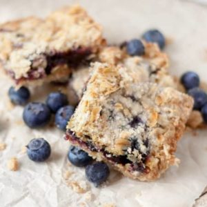 Blueberry Crumble Bars from Magically Delicious