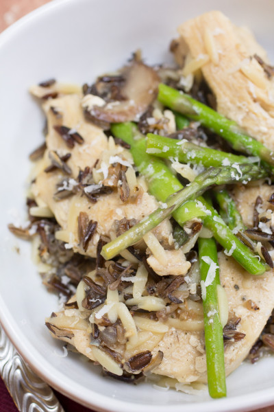 Chicken Wild Rice Orzo I www.orwhateveryoudo.com I #recipe #dinner #skillet