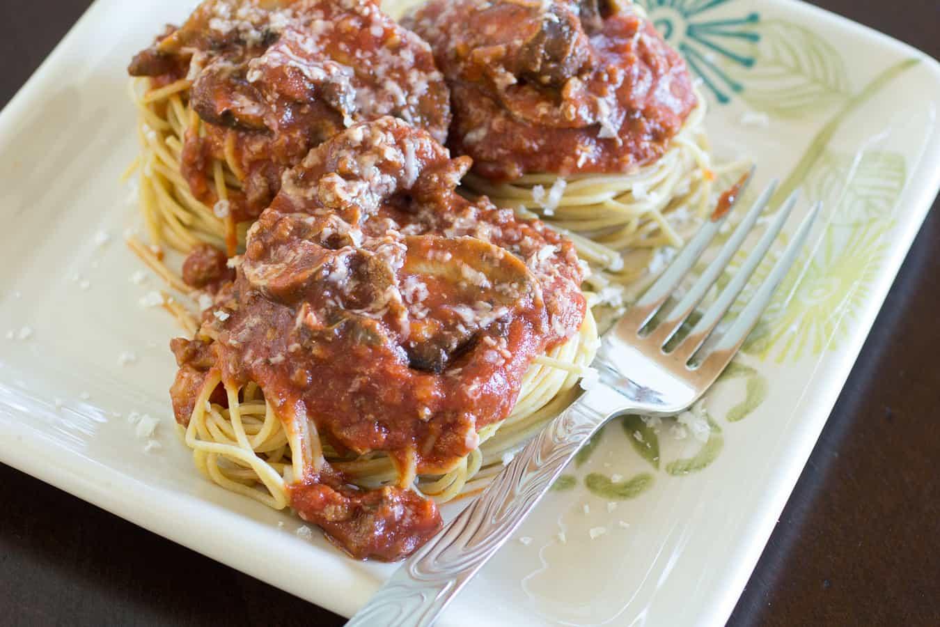 Spaghetti with Mushroom Meat Sauce
