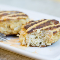 Crab Cakes and Roasted Red Pepper Aioli I www.orwhateveryoudo.com I #appetizer #homemade #crab #aioli