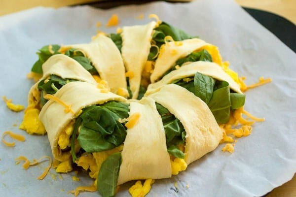 Sausage and Egg Breakfast Crescent Ring is a super easy and makes breakfast for a crowd in a snap. Reheats really well the next day too!