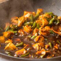 Spicy Garlic Chicken and Green Beans