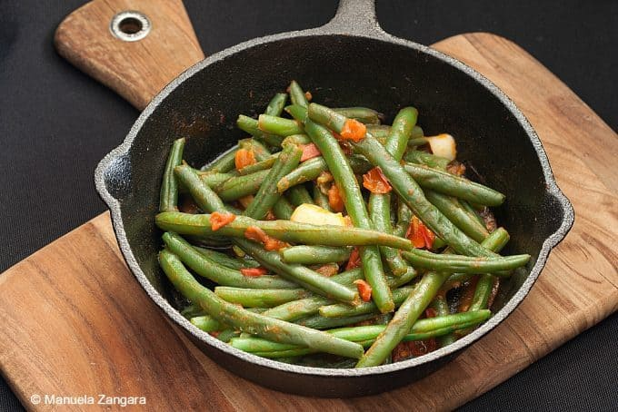 Manu's Menu Garlic-and-Tomato-Green-Beans